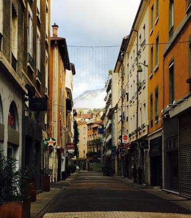 A rue with an alp