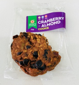 Cranberray & almond cookie