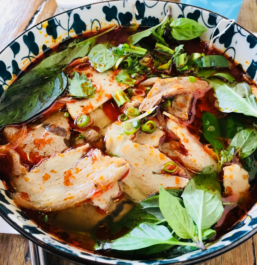UnPHOgettable noodles! Tra Vinh,Casey